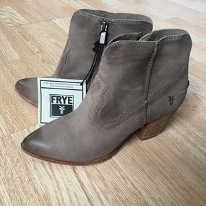 NEW with tags Frye Cowboy Ankle Booties Sand Tan